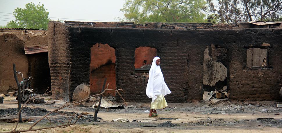Restos de una masacre en la ciudad de Baga, en Nigeria