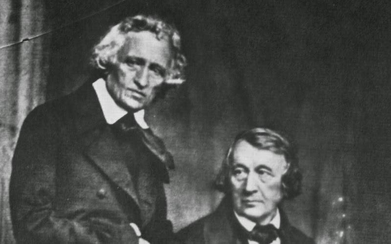Estudiaron derecho en la Universidad de Marburgo (1802-1806), donde iniciaron una intensa relación con el poeta y folclorista Clemens Brentano, quien les introdujo en la poesía popular