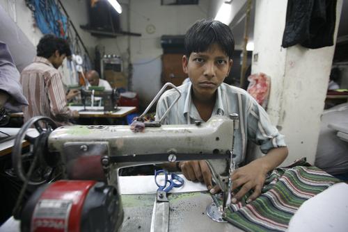 Los trabajadores también fabrican para firmas como Levi's, Strauss, Gap y Converse.