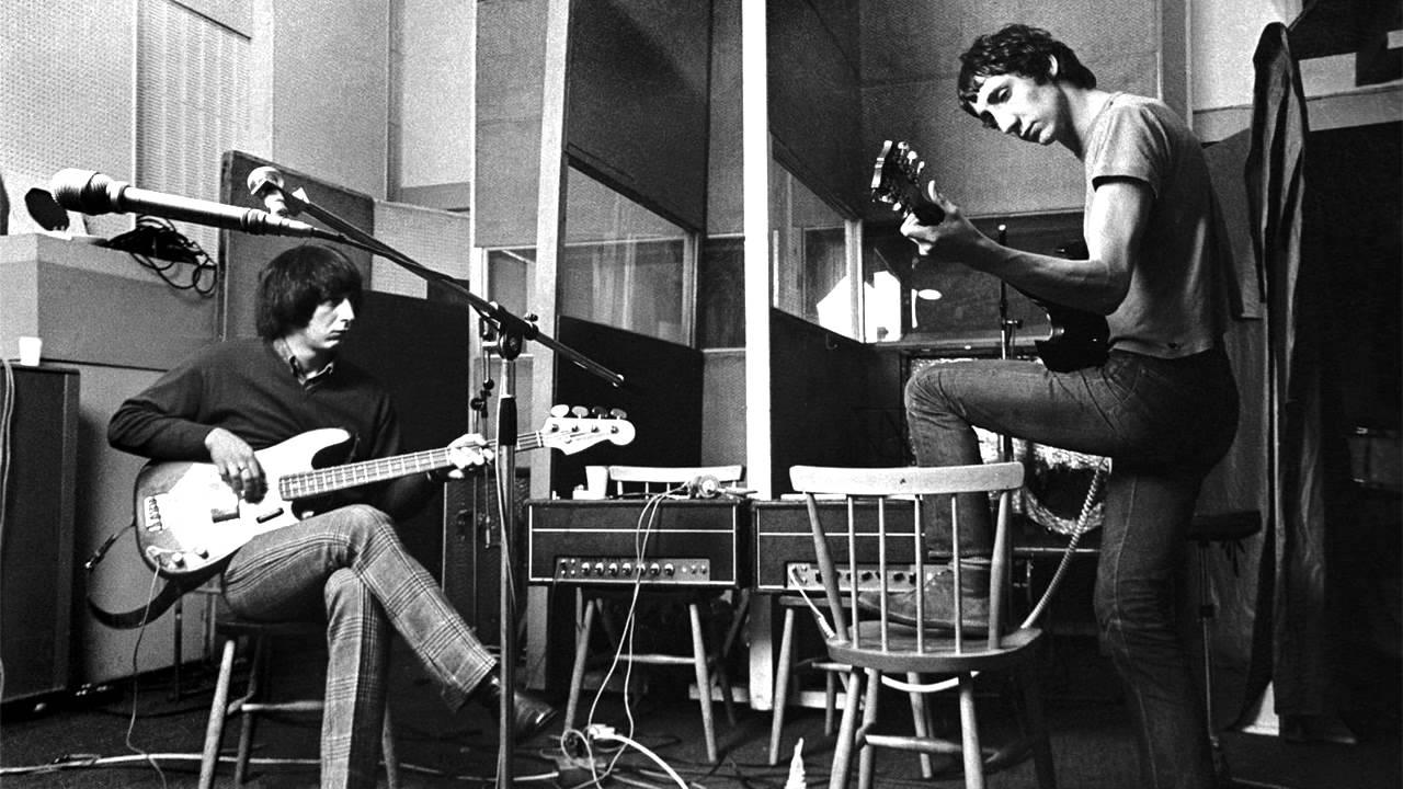 Al inicio se llamaban 'The Detours' que cambió tras la incorporación del baterista Keith Moon.