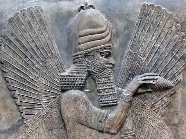Marduk fue el dios de la última generación de Mesopotamia y la deidad patrona de la ciudad de Babilonia. Se levantó como cabeza del panteón de dioses babilónicos.