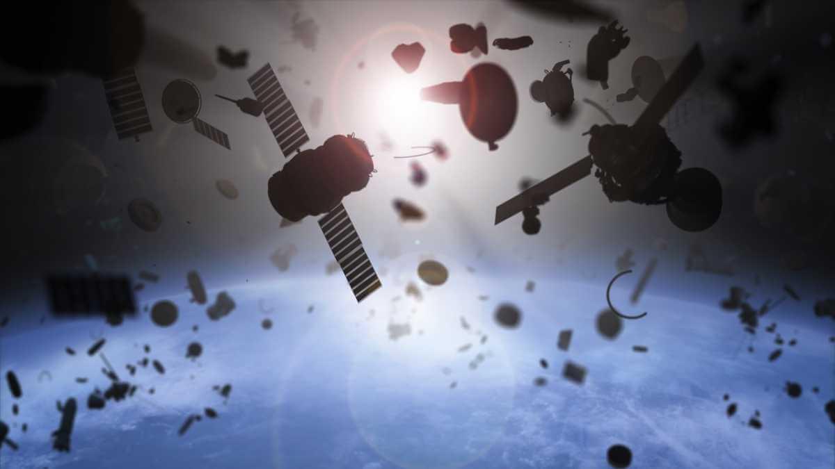 En 2013, la NASA anunció la presencia de más de un millón de piezas de diferentes tamaños orbitando alrededor del planeta Tierra.
