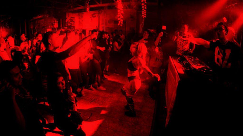 316 centro, Alcohol, Antros, Bahía Bar, bares, Bares de rock, black metal, cantinas, Capital, Capitales, cdmx, Centros nocturnos, cerveza, Ciudad de México, Death Metal, Death Metal Melodico, El Centro de Salud, El Mundano, Electro House, grupos de Música, Happy punk, Hardcore, House, La Mezcalli, metal, Metalcore, Minimal Techno, Música, Música underground, noche, Pop punk, Post-disco, Psychobilly., Psycodelic Psy Trance, Pulque, Punk, Punk Metal, Salir de noche, Ska-Punk, Techno, trash metal, underground, vida nocturna, Vinos