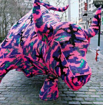 Leane prain, Crochet, grafiti tejido, arte callejero, hilo, lana, mundo, arte urbano, espacios publicos, manualidad antigua, decorando paisajes, forma de expresión