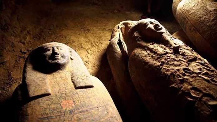 arqueologia, Arqueólogos, ataúdes, Egipto, expedición, momias, Necrópolis de Saqqara, Sarcófagos, tumbas