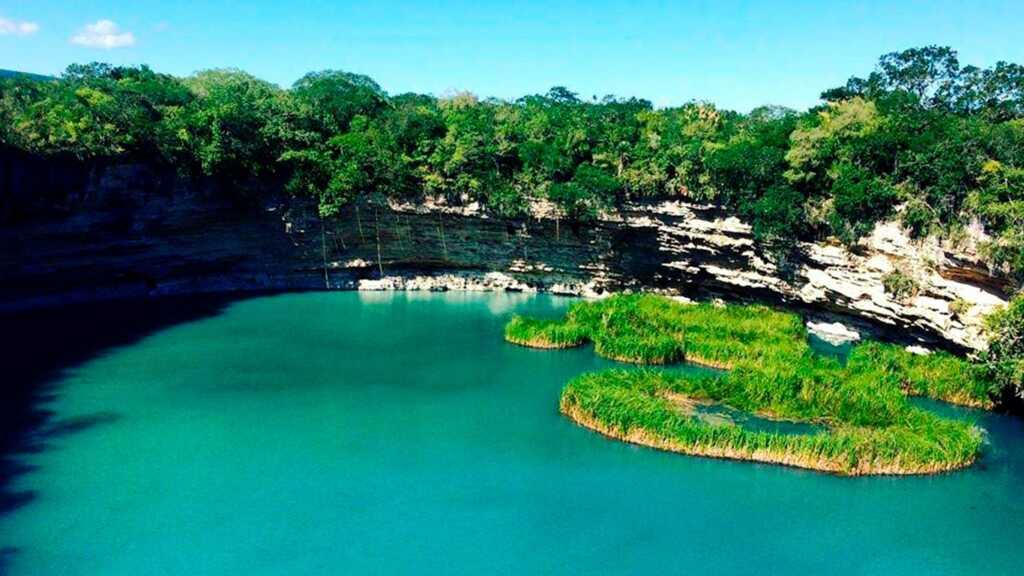 cenote zacatòn, Quintana Roo, Yucatán, Tamaulipas, cenotes de México, México, naturaleza, buzos, la azufrosa, senderismo