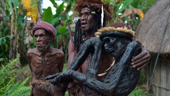 Eli Mabel, tribú yali, tribú lani, Nueva guinea, honaim, tribú deni, momificación Islam, cristianismo, rito de momificación