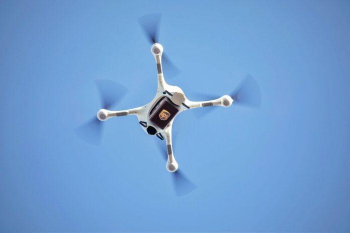 Matternet, dron, drones, empresa Matternet, pista de aterrisaje, plataforma de aterrisaje de drones, hospitales, médicamentos, drones para transportar medicamentos, Estados Unidos, Suiza